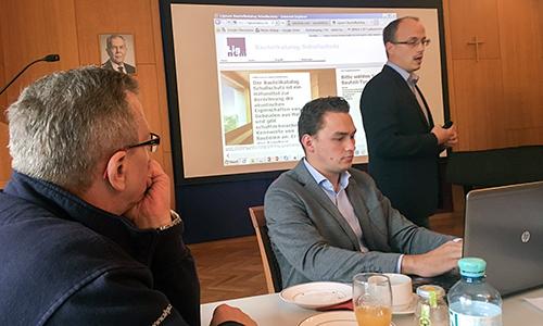 Georg Jeitler (VEH Gütekommission) referiert zu dataholz.com