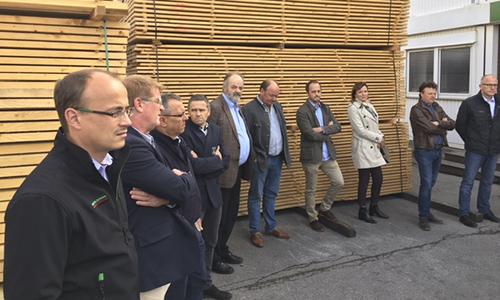 Mitglieder VCEH bei Mühlbauer Holz