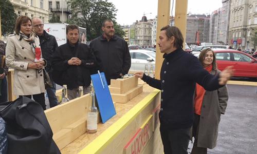 """Am Vortag zur Generalversammlung Besuch beim Projekt """"PARK macht Platz"""", das vom VEH unterstützt wurde."""