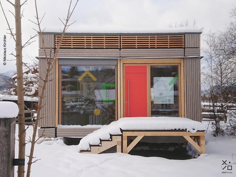 vivihouse Prototyp. Fassade Rema. Podest Weiss Holzgroßhandel. © Nikolaus Kichler